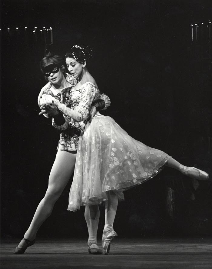 Margo Fonteyn and Rudolf Nureyev in Romeo and Juliette, choreographed by Sir Kenneth Macmillan in 1965