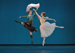 Gudrun Bojesen and Ulrik Birkkjoer in La Syphide, The Royal Danish Ballet, 2013© Dave Morgan