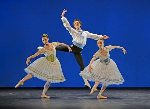 Femke Slot, Andreas Kaas and Susanne Grinder in Napoli, The Royal Danish Ballet, 2013© Dave Morgan
